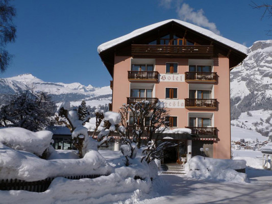 One week skiing holiday in Flims - We are proud to offer you an exclusive week package at Hotel Cresta Flims for this winter season. Bo