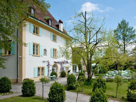 Our weekend bangers - for a valuable break from everyday life - Unsere Wochenendknaller: Schloss Überstorf(FR) Ein Schloss wie aus dem Märlibuch unweit von