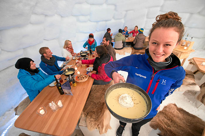 Hôtels dans l'Oberland bernois - Fondue en igloo sur l'alpage d'Engstligen  Après une courte marche à pied à travers l'alpag