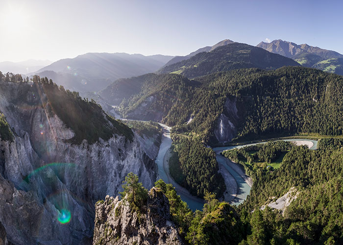 Hotels in Grisons - Swiss Grand Canyon  It is not for nothing that the Rhine Gorge, Rhaeto-Romanic Ruinaulta, between Re