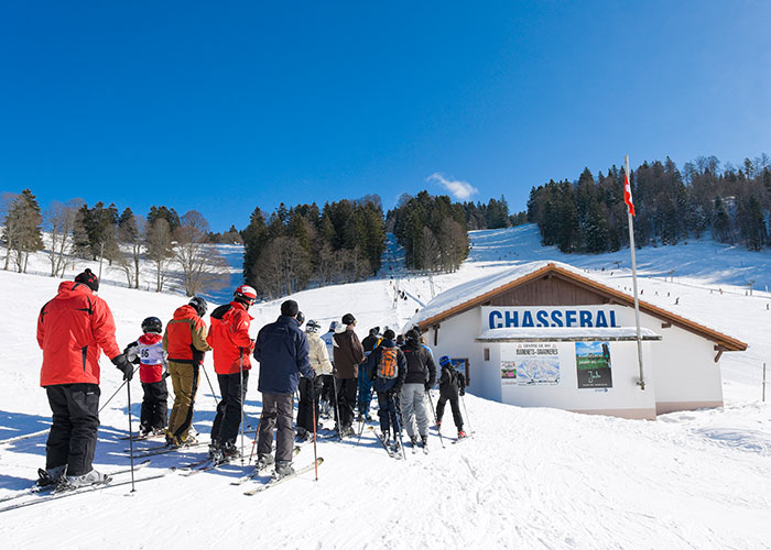 Hotels in Jura and Three-Lakes - Winter sports in the largest ski area of the Jura  The Jura is not considered the number one winter