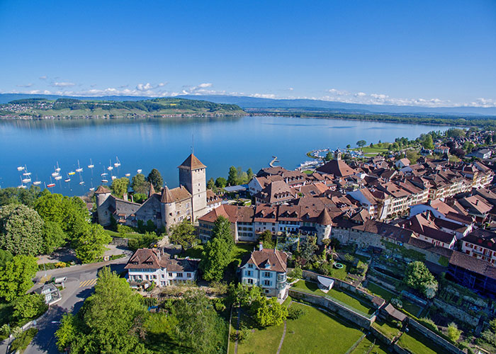 Hotels in Jura and Three-Lakes - Murten  The old town of Murten, called Stedli by the locals, is one of the most beautiful in the reg
