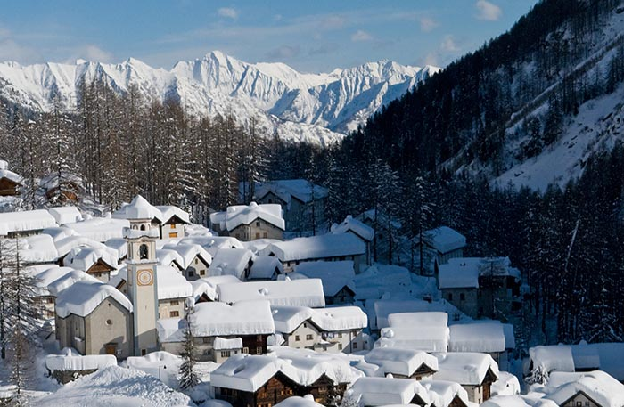 Hotels in Ticino - Campra Cross-Country Skiing Centre  Campra Cross-Country Skiing Centre, located south of the Lukmani