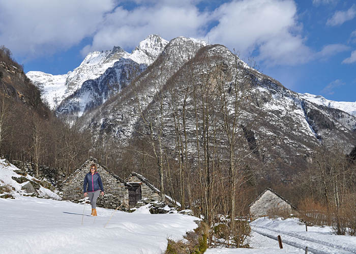 Hotels in Ticino - Winter hiking in the Valle Verzasca valley  The Valle Verzasca is principally known for its 220m hig