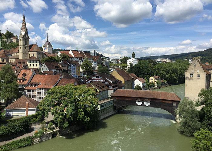 Hotels in Aargau Region - Baden Baden is pure history. The more than 1,000-year-old ruins are enthroned above the town, and th
