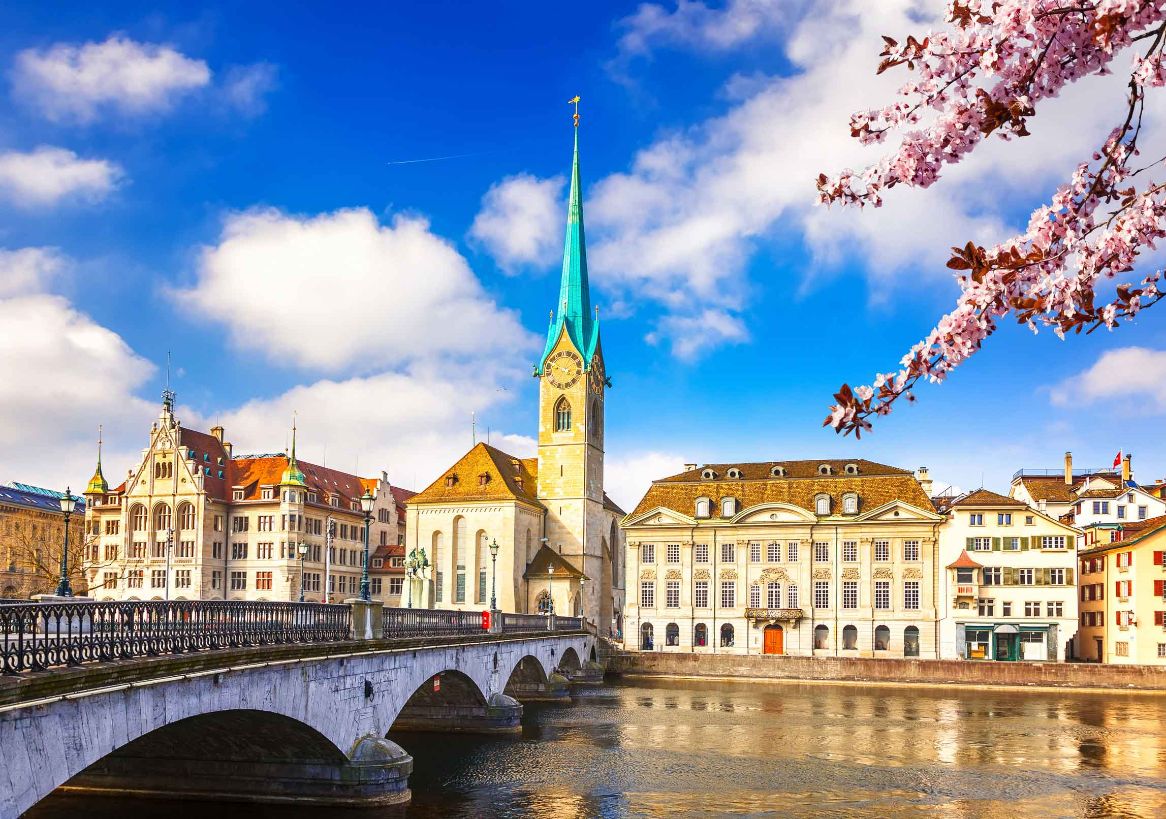 Zurich Region - Full of attractions People around the world are often surprised that Bern and not Zurich is the capi