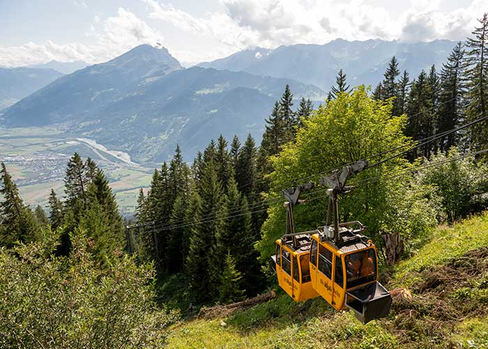 Eastern Switzerland and Liechtenstein - Ride with the legendary Älplibahn  The Älpli cable car in the region of Heidiland is a real inside